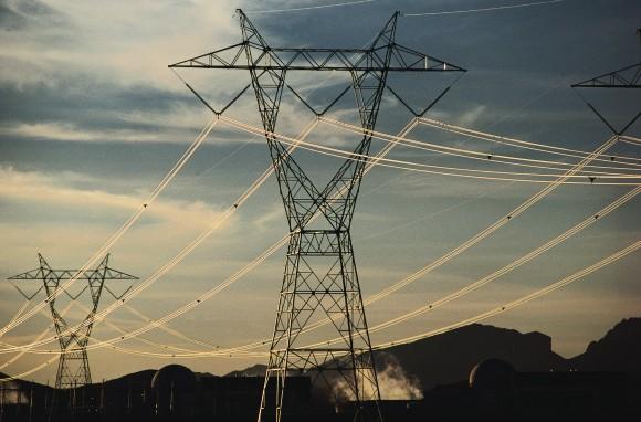Etorkizunean HVDC sareak gaur egun nagusi diren korronte alternoko sareekin batera egongo direla aurreikusten da