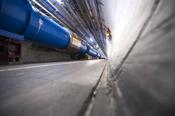 CERN, hirurogei urte unibertsoa xehatzen