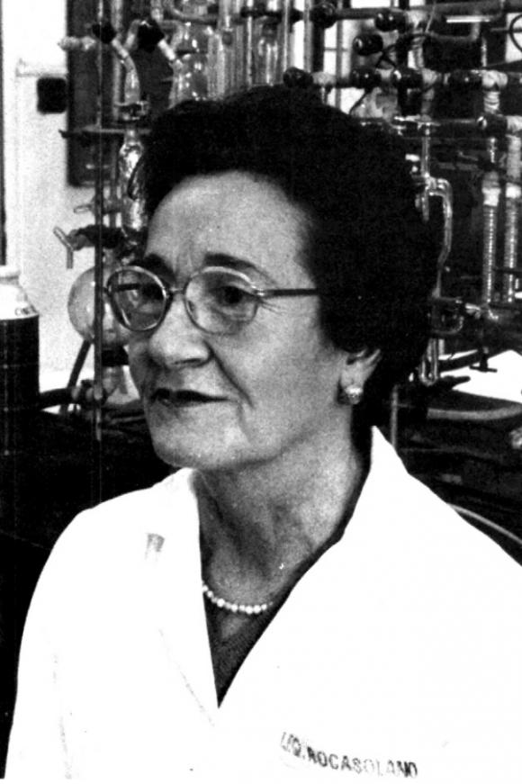 Josefa Molera 1985. urtean CSICeko Rocasolano Institutuko laborategian.