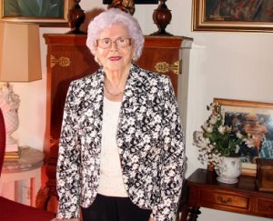 2. irudia: Maria Luisa Aguirre tolosarra, Euskal Herriko lehen emakume medikuetariko bat, 90. urte zituela. (Argazkia: KLISK)