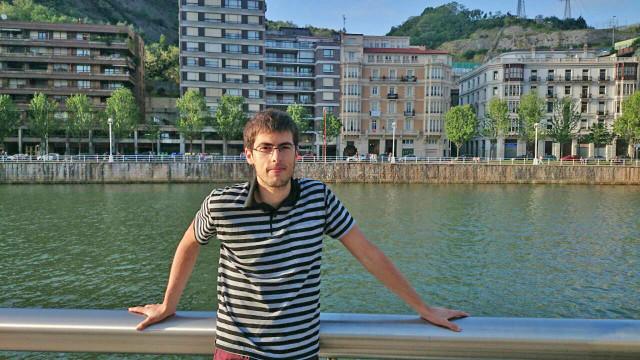 Eduardo de la Torre kimika-ingeniariak proiektu onenaren saria jaso du