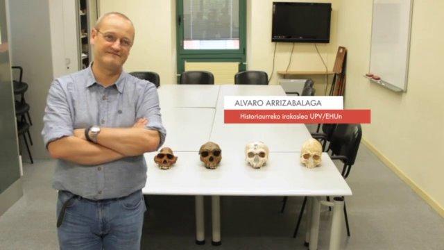 """Zientzialari (31) – Alvaro Arrizabalaga: """"Oraindik ez dago garbi neandertalen abiapuntua zein izan zen"""""""