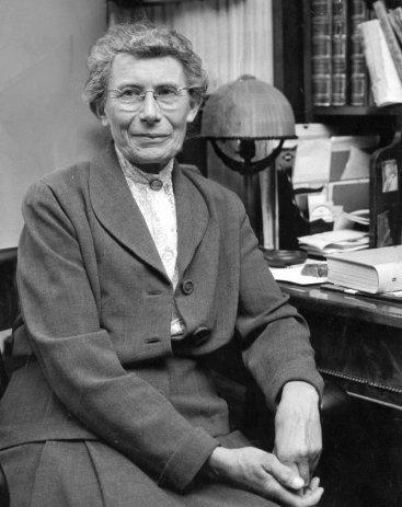 2. irudia: Inge Lehmann sismologo daniar aitzindaria 1993. urtean zendu zen, 104 urte zituenean.