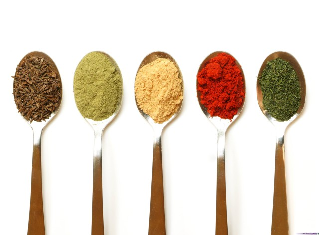 Irudia: Koloratzaileak elikagaien kolorea indartzeko edo aldarazteko erabiltzen dira. Tradizio luzea du elikagaiak koloreztatzeak.