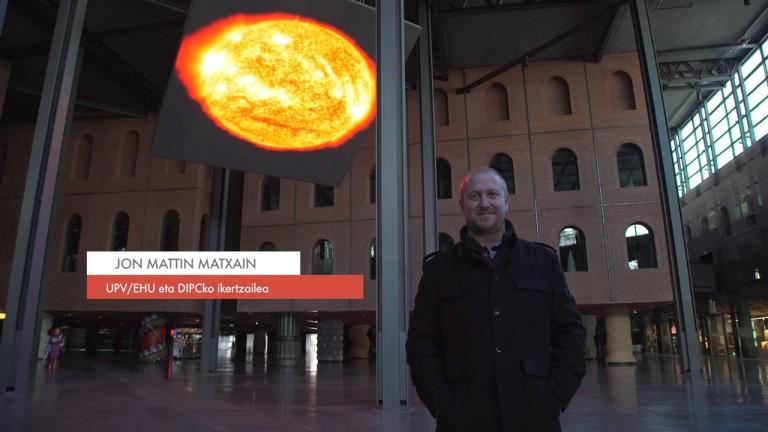 """Zientzialari (46) – Jon Mattin Matxain: """"Exoplaneta baten atmosferaren konposizioa argiari esker jakin dezakegu"""""""