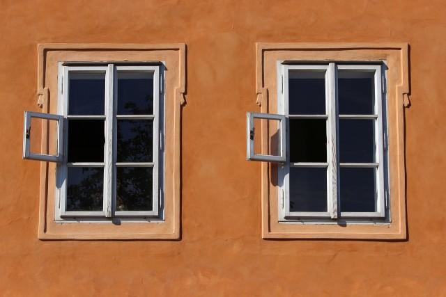 window-941625_1280