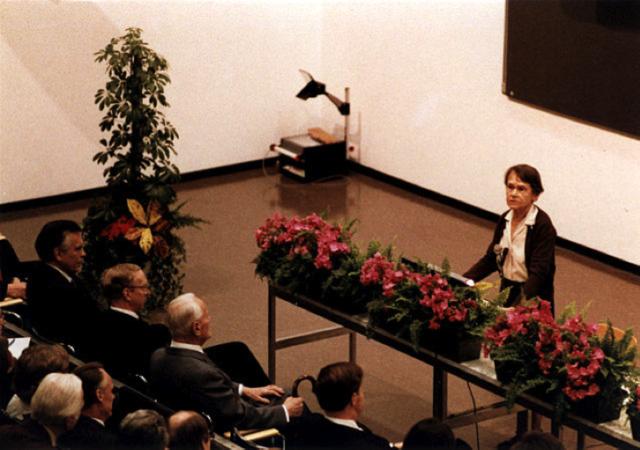 2. irudia: McClintock Nobel Saria jaso ostean emandako hitzaldian.