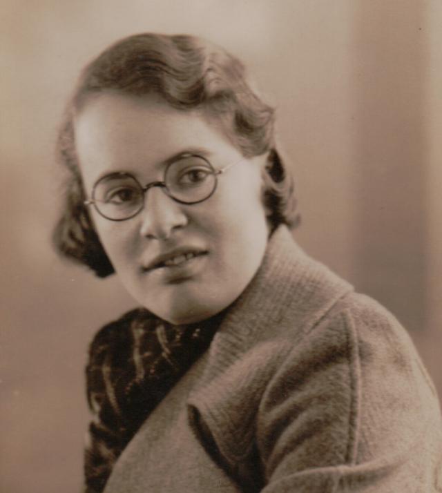 1. irudia: Joan Clarke kriptografoa 1936. urtean.