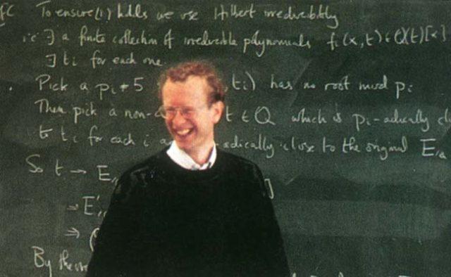 1. irudia: Andrew Wiles Cambridgeko hitzaldian, 1993ko ekainaren 23an.