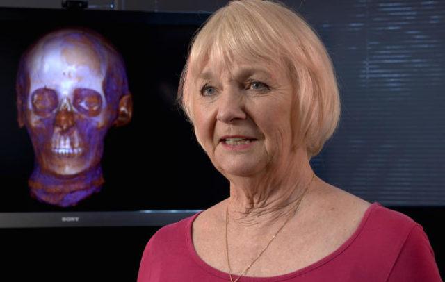 2. irudia: Burezurra emakume batena dela zehaztu du Janet Davey egiptologoak. (Argazkia: Paul Burston)