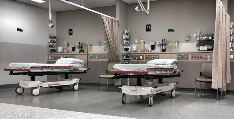 Zainketa intentsiboko unitateko pazienteen familiek dituzten beharren berrikusketa