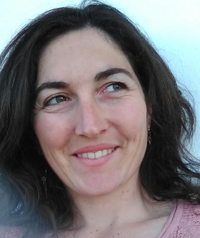 """Marie Pourquié, neuropsikohizkuntzalaria: """"Arlo desberdinetako jendea behar da, eta beste hizkuntzetan egin dena euskaraz ere egitea"""""""