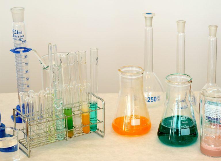 Konposatu kimikoez